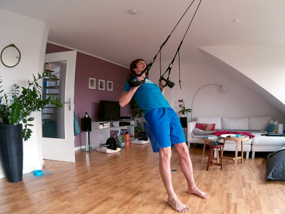 Oberkörpertraining ohne Geräte (Fitnessstudiogeräte) - Mit dem Schlingentrainer