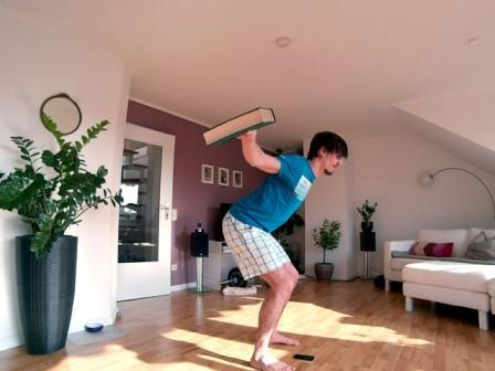 Vorgebeugtes seitliches Schulterheben Endposition