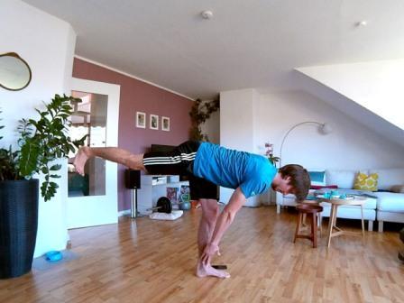 Hintere Oberschenkel & Po trainieren mit einbeinigem Kreuzheben