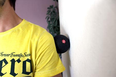 Faszientraining mit Blackroll Ball - Schultern & Oberarme massieren
