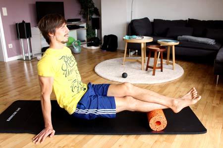 Faszien Workout mit Blackroll - Wade ausrollen 2