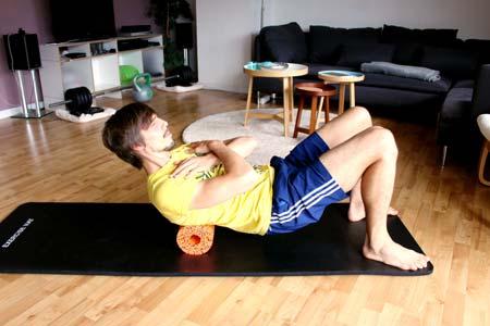Faszientraining mit Blackroll - mittlerer & oberer Rücken massieren 2